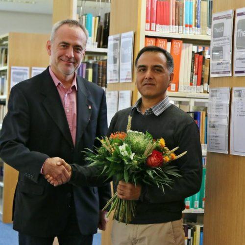 Prof. Dr. phil. Roland Fischer begrüßte Raul Cervantes